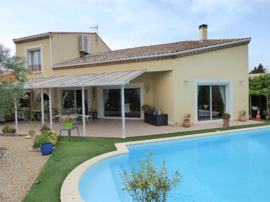 Villa t5 avec piscine et garage